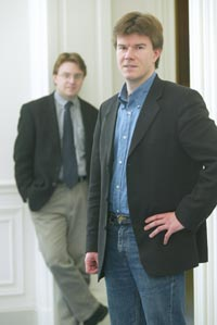 Initiatiefnemer van het bezoek Herman MENNEKENS (links), samen met Sven GATZ