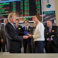 """Cérémonie """"ring the bell"""" à la Bourse de Bruxelles pour les 15 ans d'Home Invest Belgium"""