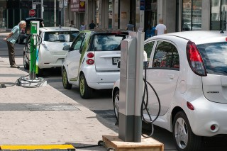 Electric vehicles have another record year, reaching 2 million cars in 2016